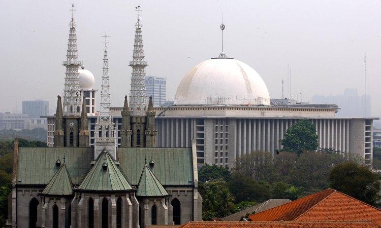 Masjid Istiqlal dan Gereja Katedral