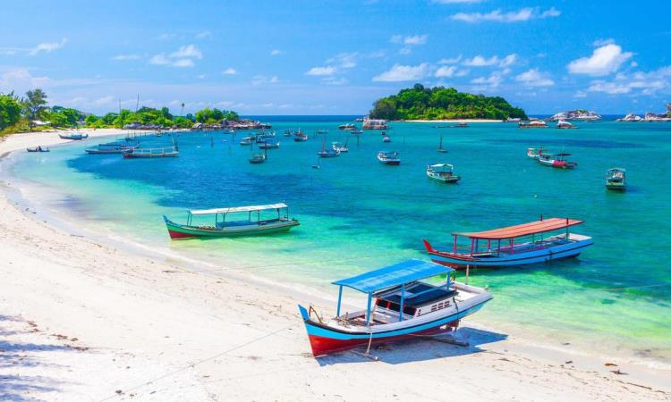 10 Pulau Menarik di Malaysia yang Paling Hits