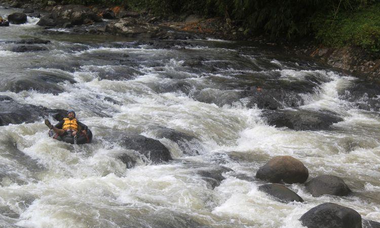 River Tubing Cikaengan