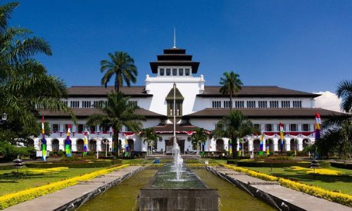 33 Tempat Wisata di Bandung Terbaru & Paling Hits