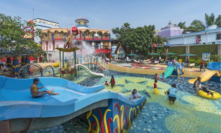 Water World dan World of Wonders Citra Raya