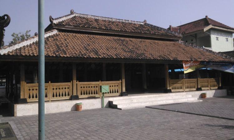 Masjid Kuno Kuncen