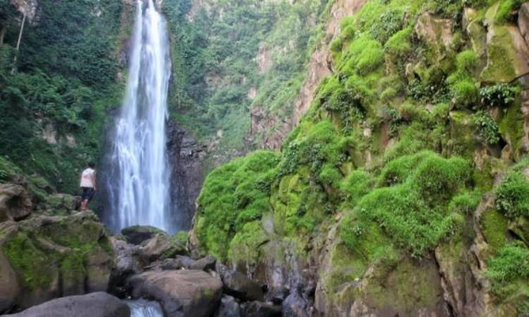 Air Terjun Bissappu