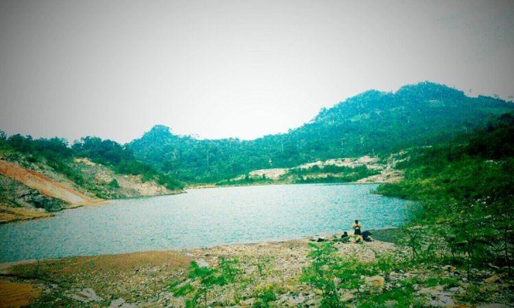 Danau Biru