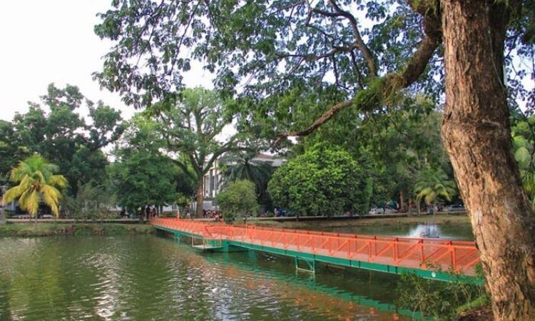 Kembang Iwak Family Park