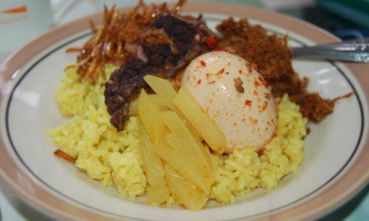 Nasi Kuning Begadang