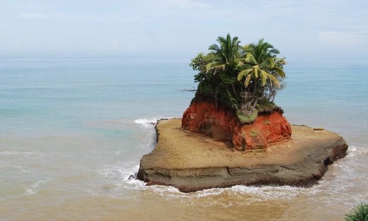 Pantai Lais