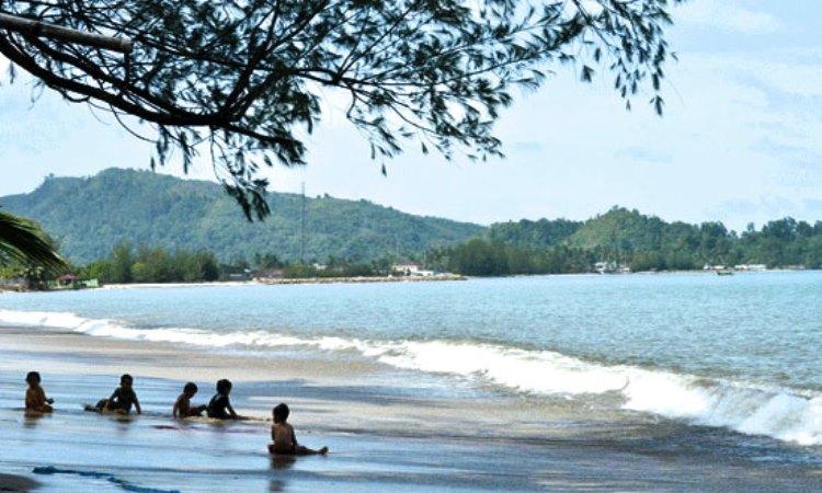 Pantai Pandan Tapteng