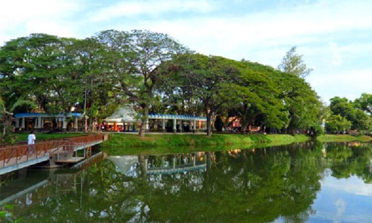 Taman Kembang Iwak Besar
