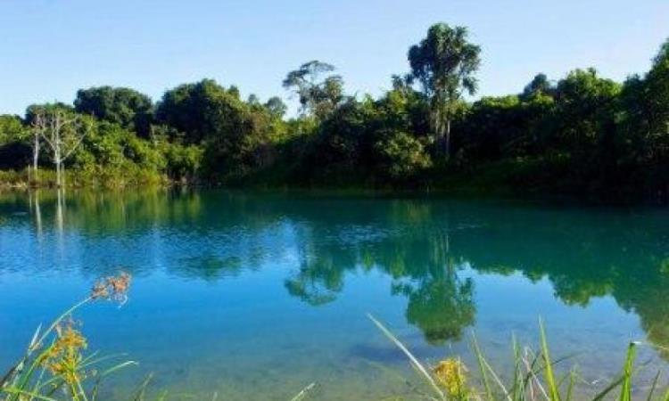 Danau Cermin Lamaru