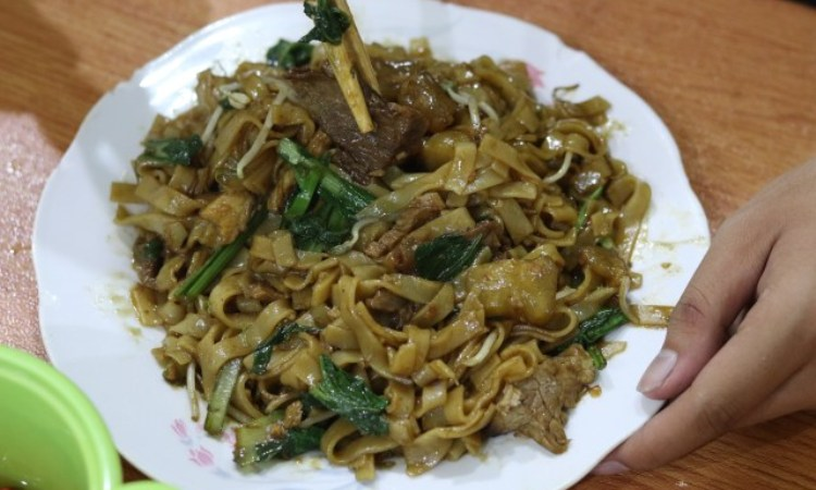Mie Tiaw Apollo