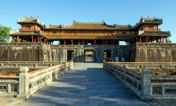 Monument Hue