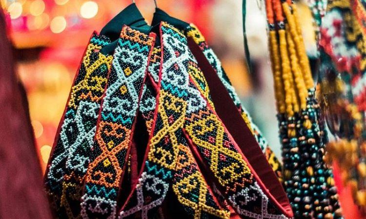 Pernak-Pernik Etnik Dayak