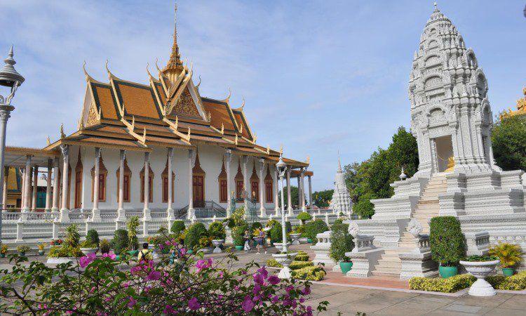Royal Palace dan Silver Pagoda