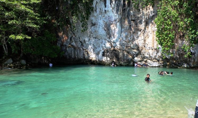 Wisata Sungai Tamborasi