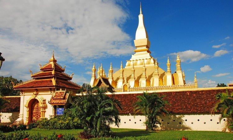 Candi Pha That Luang