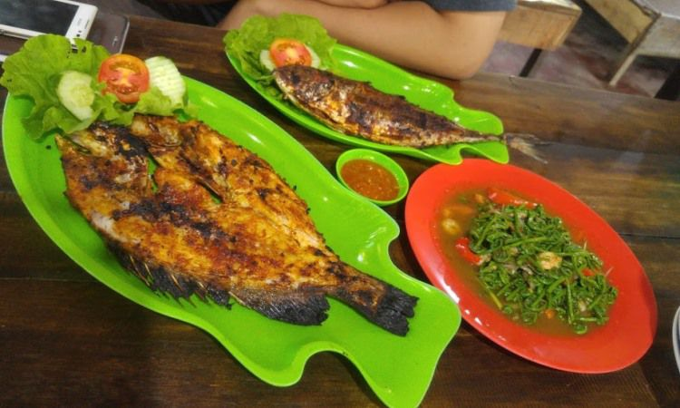 Ikan Bakar Bang Ian Kuala Singkawang