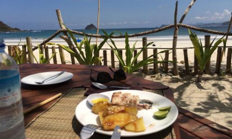 Laut Biru Restaurant