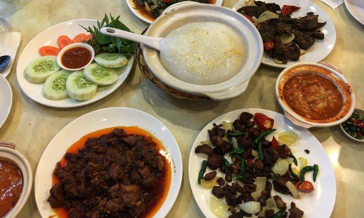 10 Makanan Khas Brunei Darussalam yang Lezat & Wajib Anda Coba