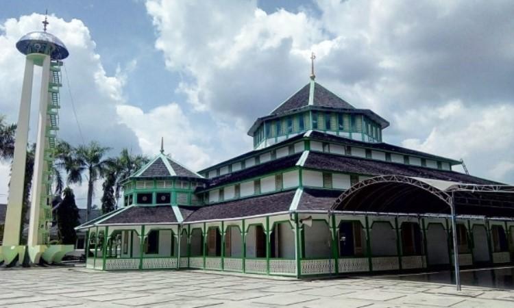 Masjid Jami' Adji Amir Hasanoeddin