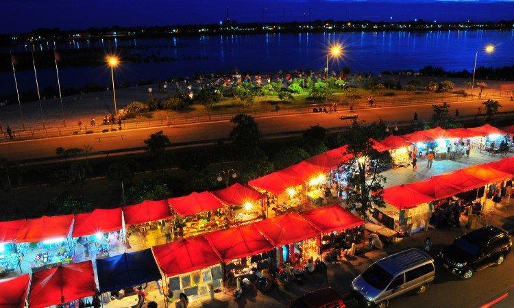 Pasar Malam Vientiane (Vientiane Night Market)