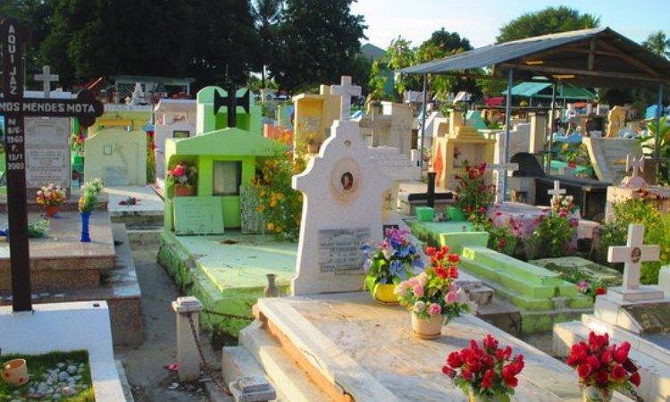 Pemakaman Santa Cruz