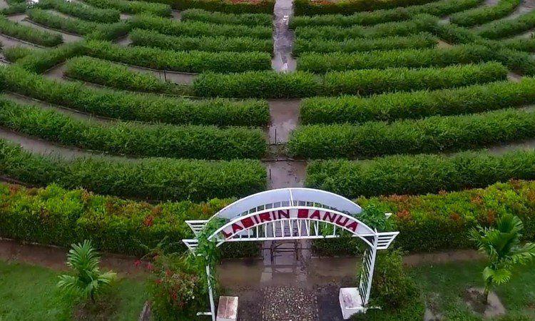 Taman Labirin Banua (Kebun Raya Banua)