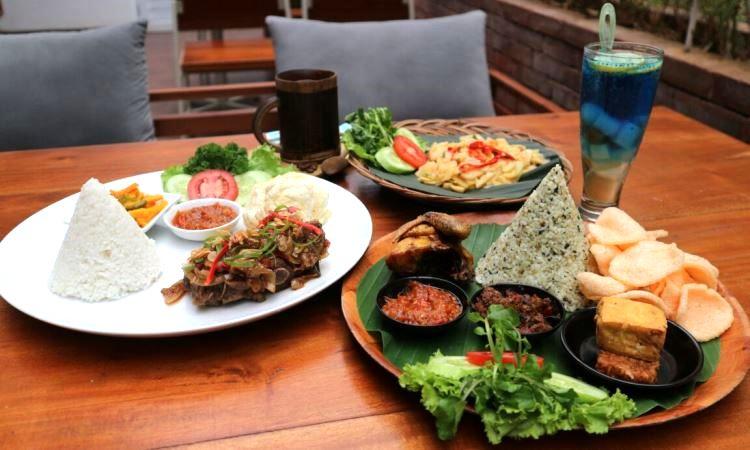 10 Wisata Kuliner di Singkawang yang Murah & Enak