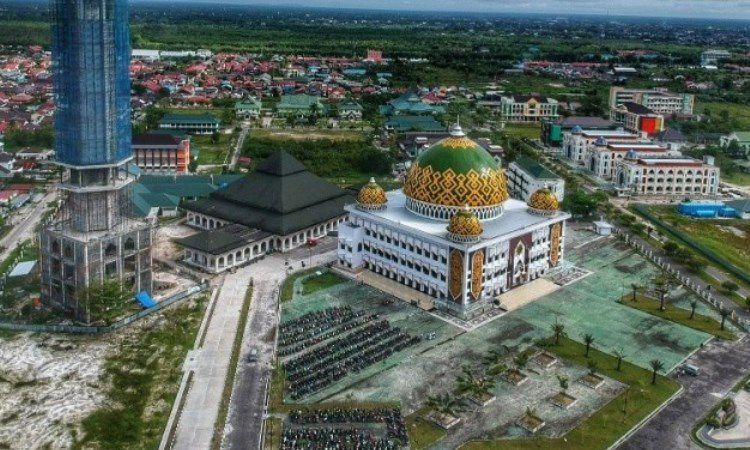 Wisata Religi Masjid Raya Darussalam