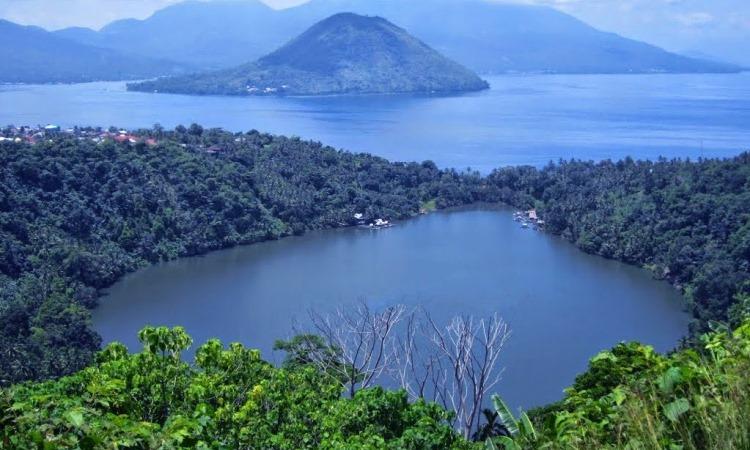 Danau Laguna Ngade