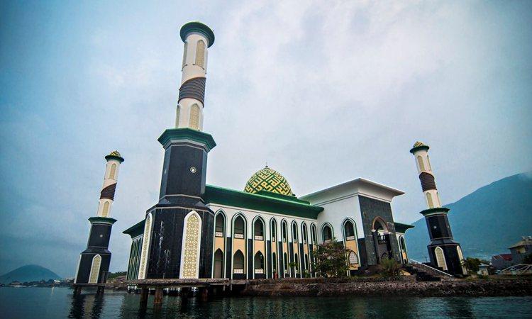 Masjid Raya Al-Munawar