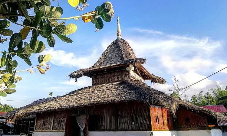 Masjid Tertua Wapauwe