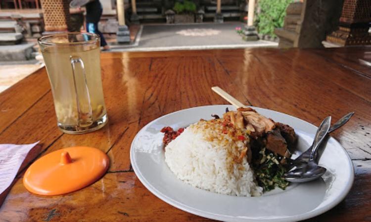 Nasi Ayam Kedawetan Bu Mangku