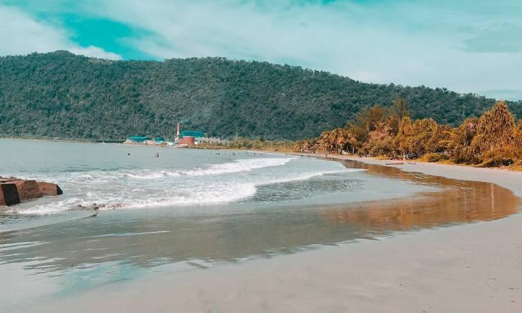Pantai Holtekamp