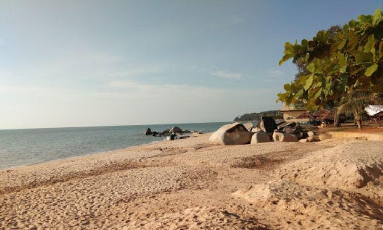 Pantai Palm Beach