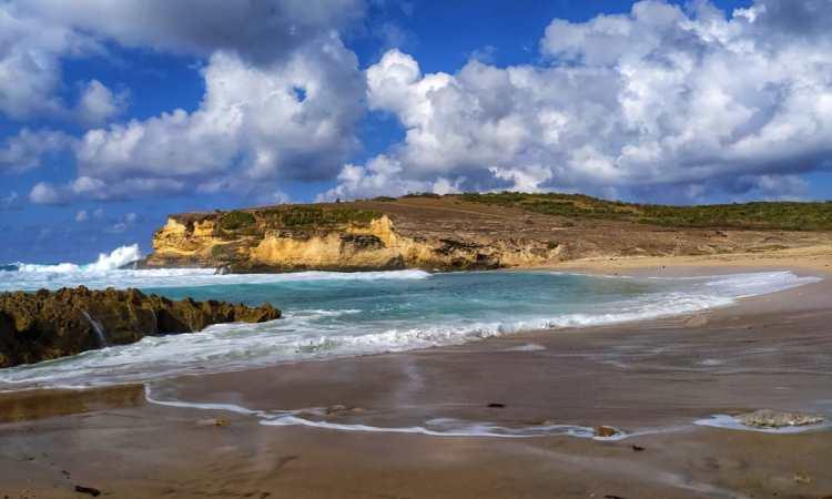 Pantai Penyisok