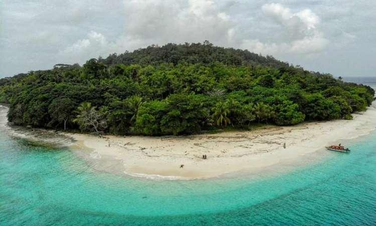 Pulau Tropis Molana