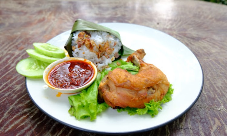 Saung Kapinis Cafe & Resto