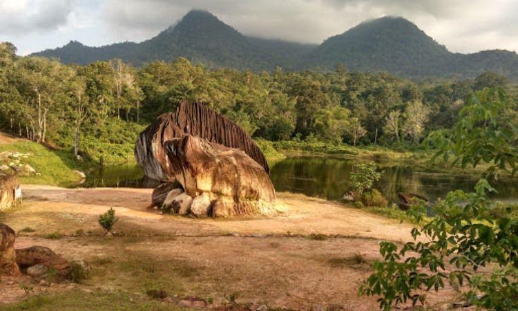 Taman Batu Belimbing Singkawang