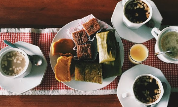 10 Wisata Kuliner di Ambon yang Murah & Enak