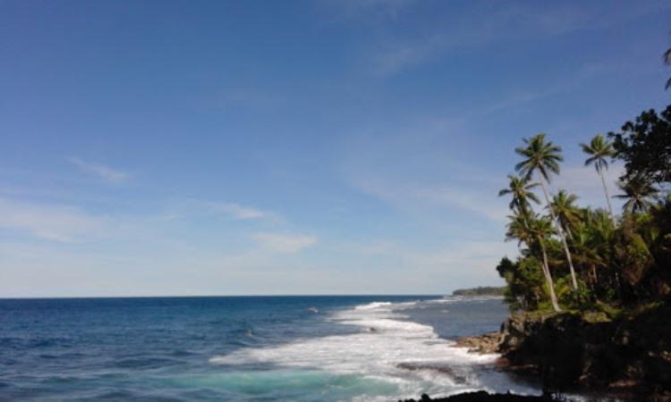 Wisata Tanjung Pantai Saruri