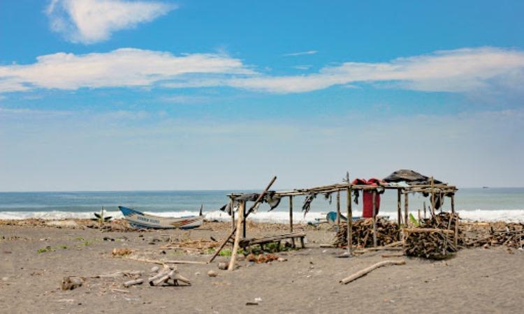 Pantai Pasir Puncu