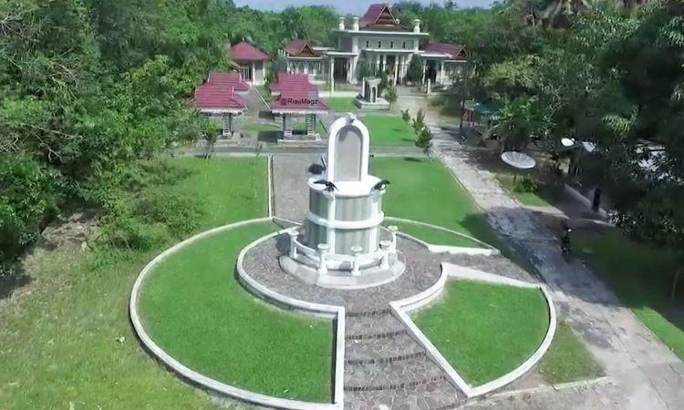 Makam Raja Siak