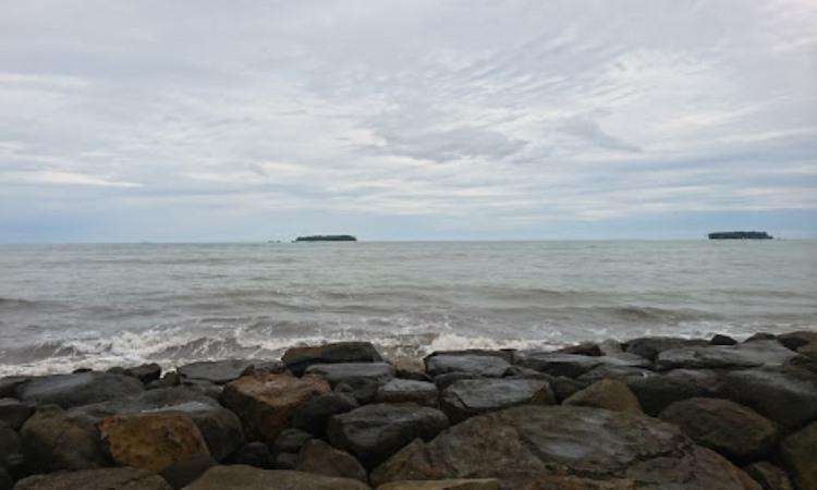 Pantai Cermin