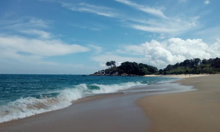 Pantai Senggiling