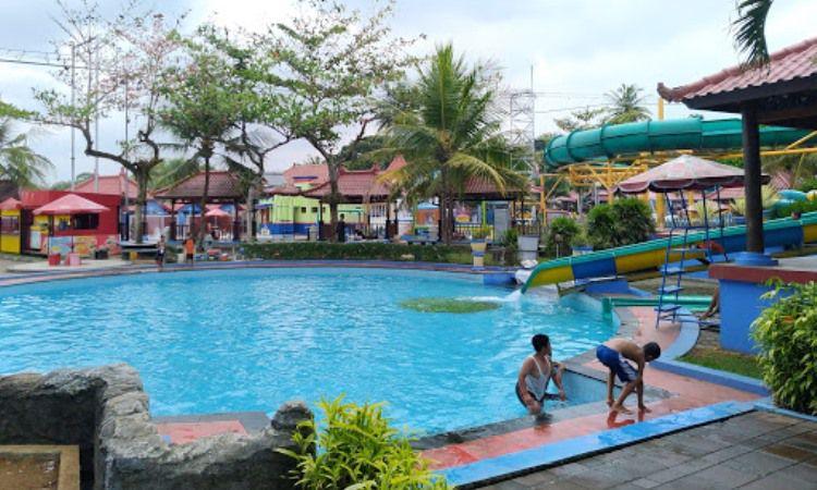 Wisata Air Owabong