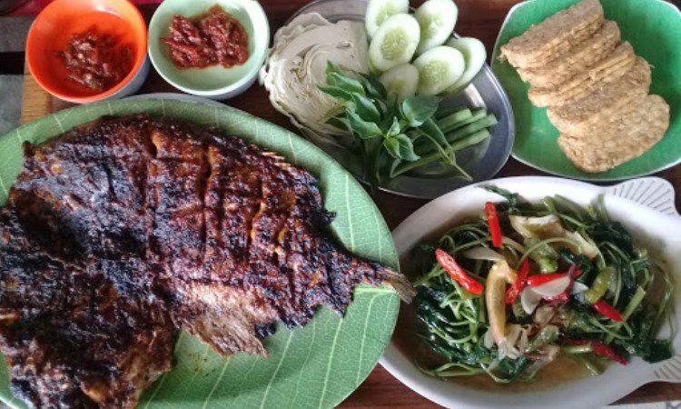 Warung Makan Kampung Alang Alang