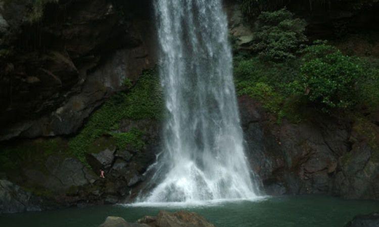 Air Terjun Salewangan