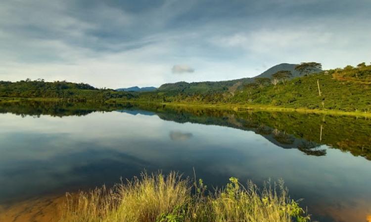 Danau Deduhuk