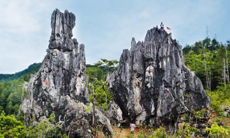 Puncak Batu Runcing